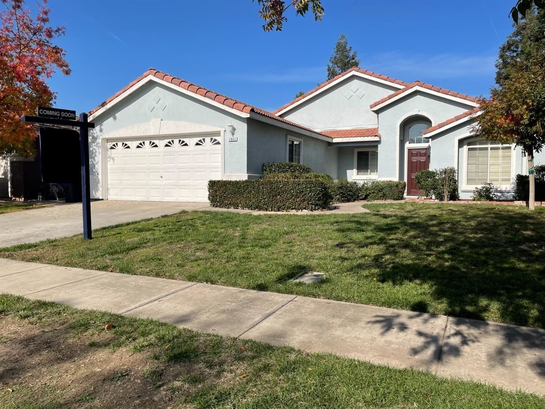 Photo of 1043 Woodland Drive, Turlock, CA 95382 (MLS # 221089162)