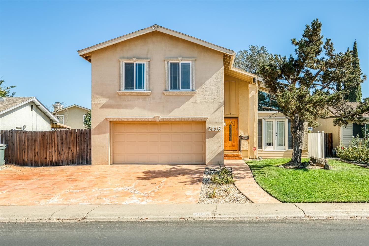 Photo of 2315 Vernon Street, Roseville, CA 95678 (MLS # 20063178)