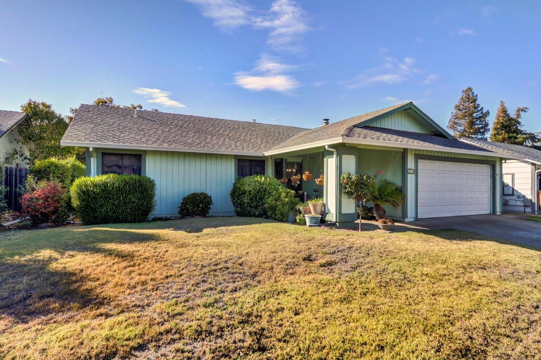 9932 Falcon Meadow Drive, Elk Grove, CA 95624 - MLS#: 221131188