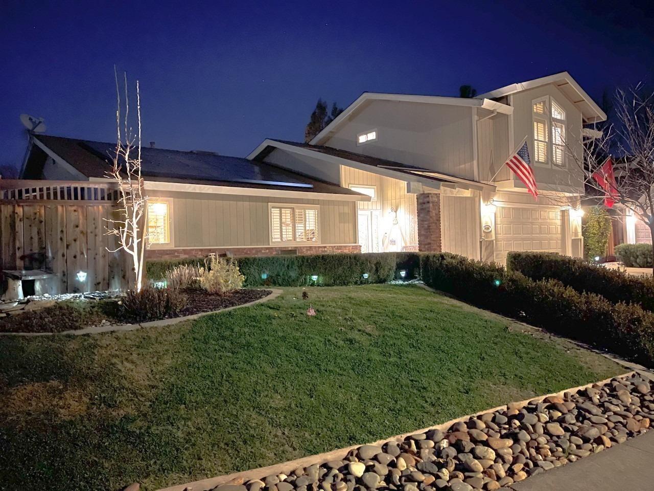 Photo of 5106 Vista Del Oro Way, Fair Oaks, CA 95628 (MLS # 221003195)