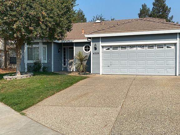 Photo of 4309 Zircon Court, Elk Grove, CA 95758 (MLS # 221115200)
