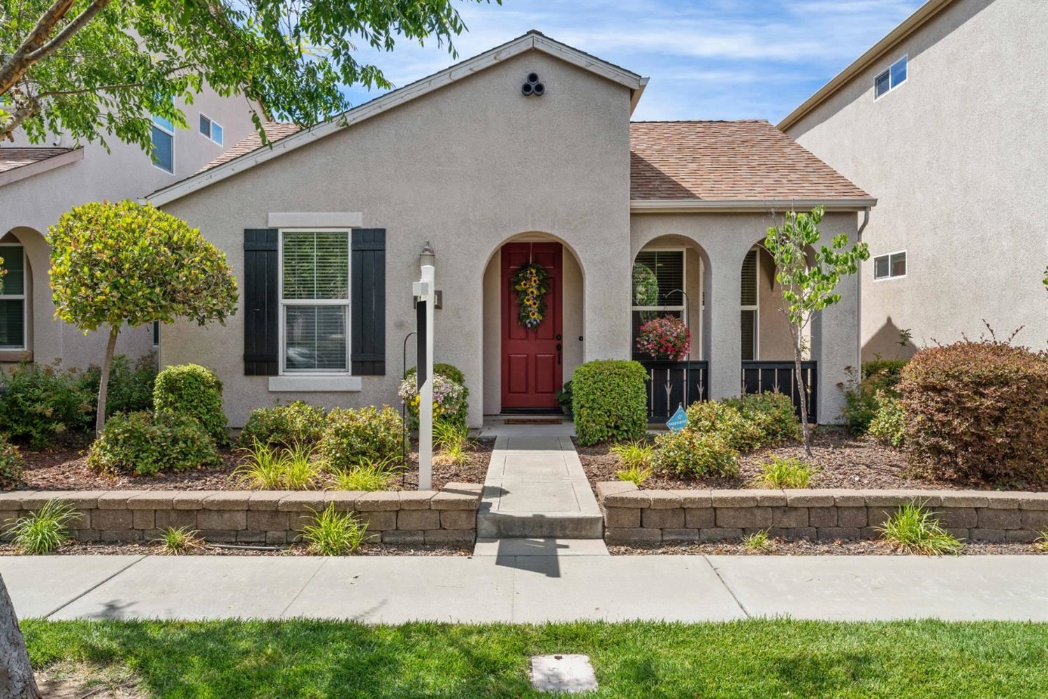 Photo of 3113 Ardley Drive, Roseville, CA 95747 (MLS # 221066202)