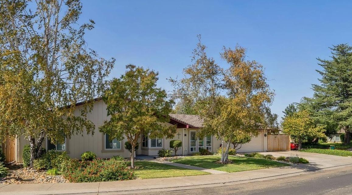 Photo of 1340 Chaparral Way, Stockton, CA 95209 (MLS # 221132204)