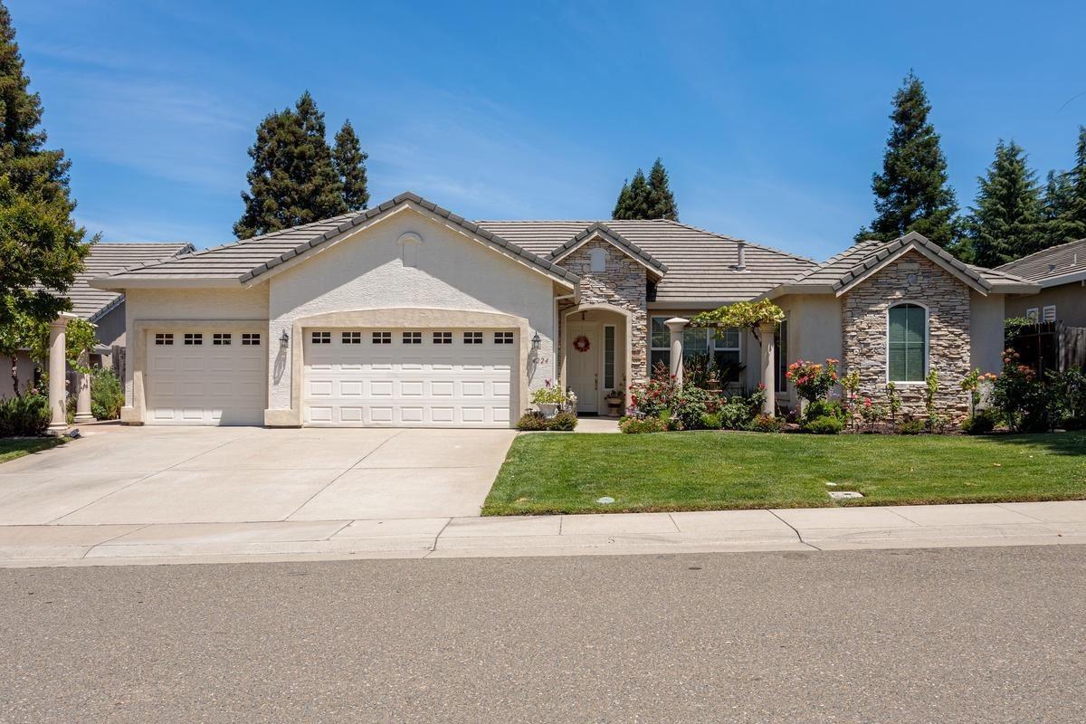 Photo of 4224 Tyrone Way, Carmichael, CA 95608 (MLS # 20058205)