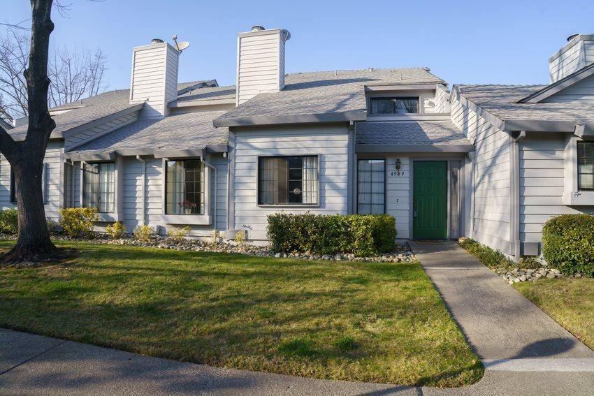 Photo of 4949 Country View Lane, Fair Oaks, CA 95628 (MLS # 221006209)