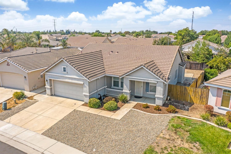 Photo of 10128 Waterfield Drive, Elk Grove, CA 95757 (MLS # 221118209)