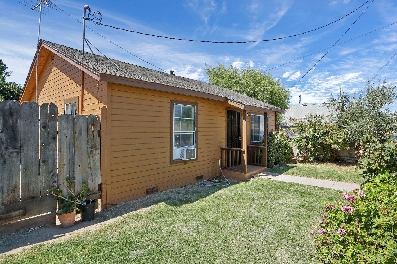 Photo of 220 Hatch Road, Modesto, CA 95351 (MLS # 221089219)