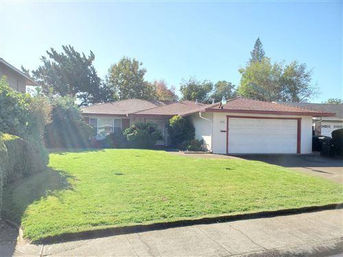 Photo of 8924 Gulfport Way, Sacramento, CA 95826 (MLS # 221137225)