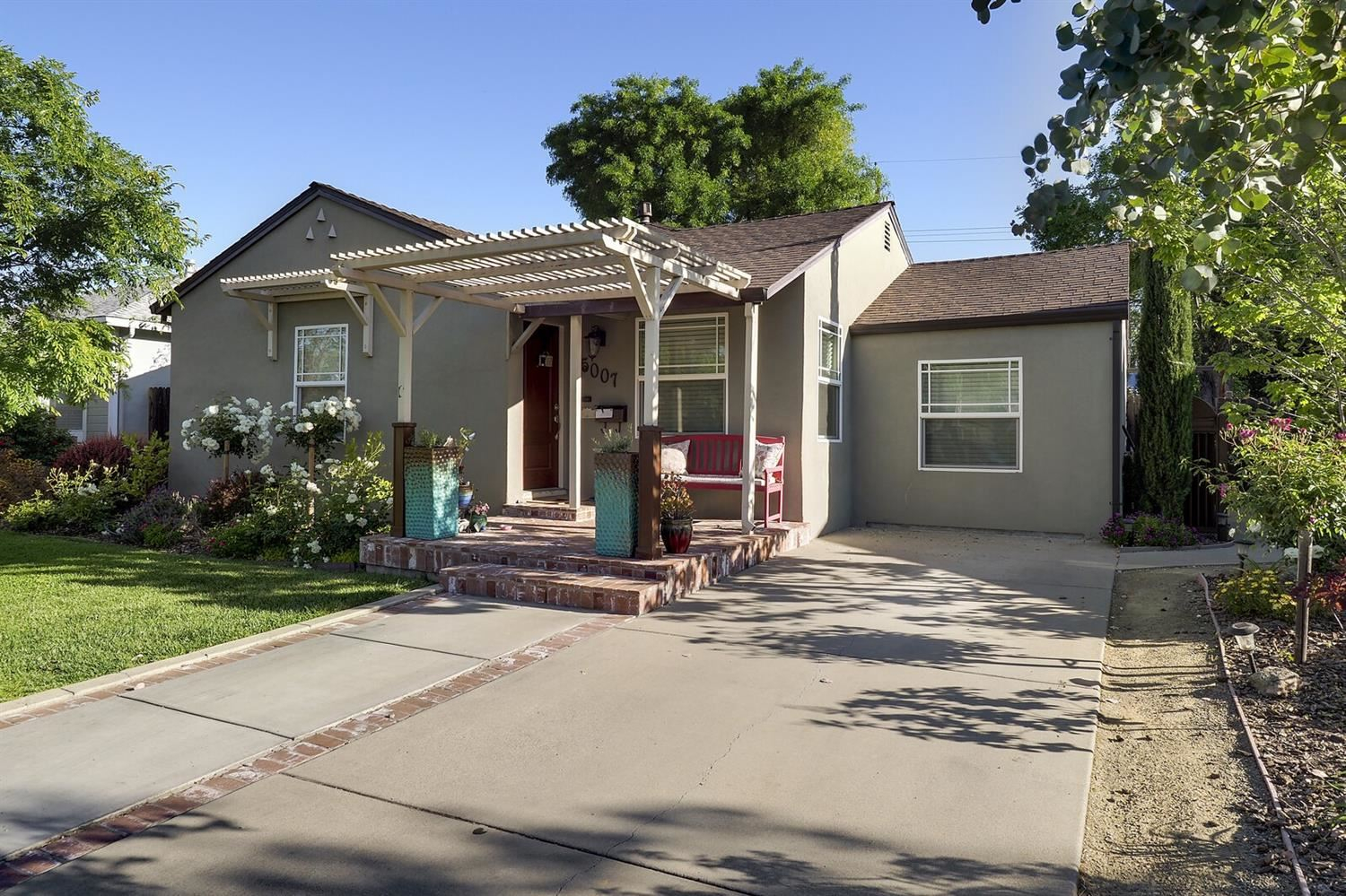 Photo of 5007 B Street, Sacramento, CA 95819 (MLS # 221037232)