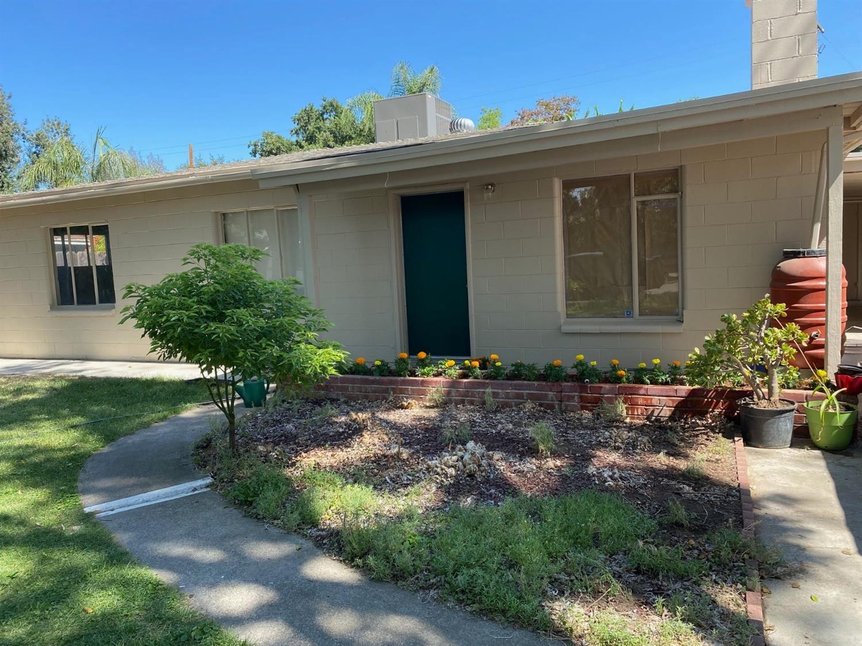 Photo of 2333 Dora Street, Modesto, CA 95354 (MLS # 221090232)