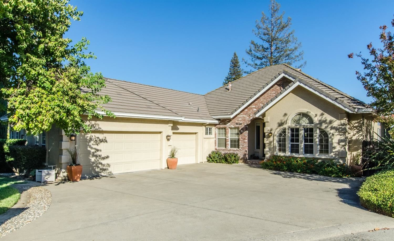 Photo of 9246 Outpost Court, Fair Oaks, CA 95628 (MLS # 20063240)