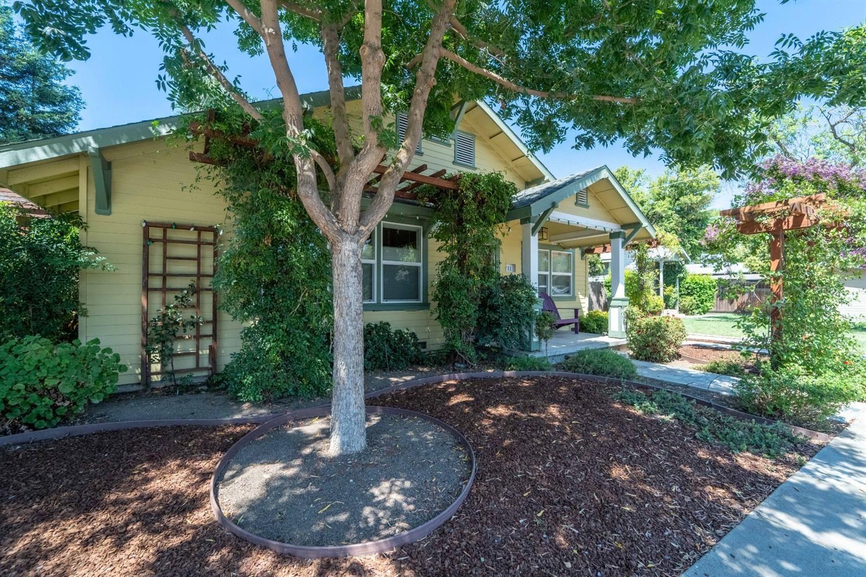 Photo of 711 Coldwell Avenue, Modesto, CA 95354 (MLS # 221089250)