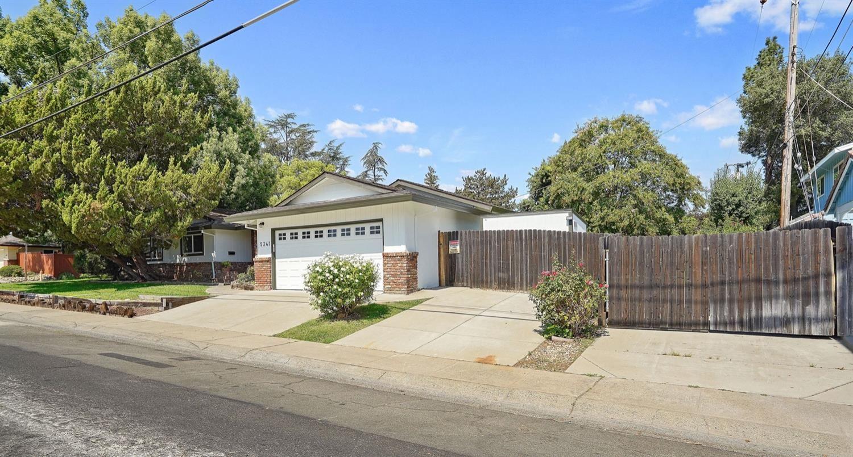 Photo of 5241 Locust Avenue, Carmichael, CA 95608 (MLS # 221083260)