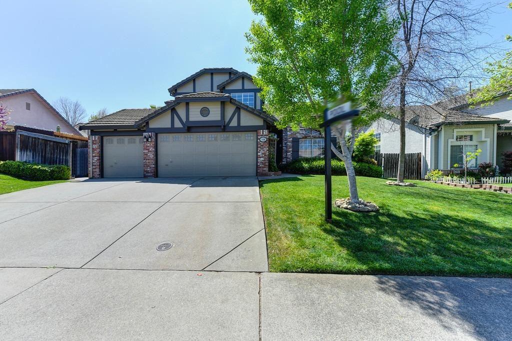 Photo of 108 Hopfield Drive, Folsom, CA 95630 (MLS # 221026263)