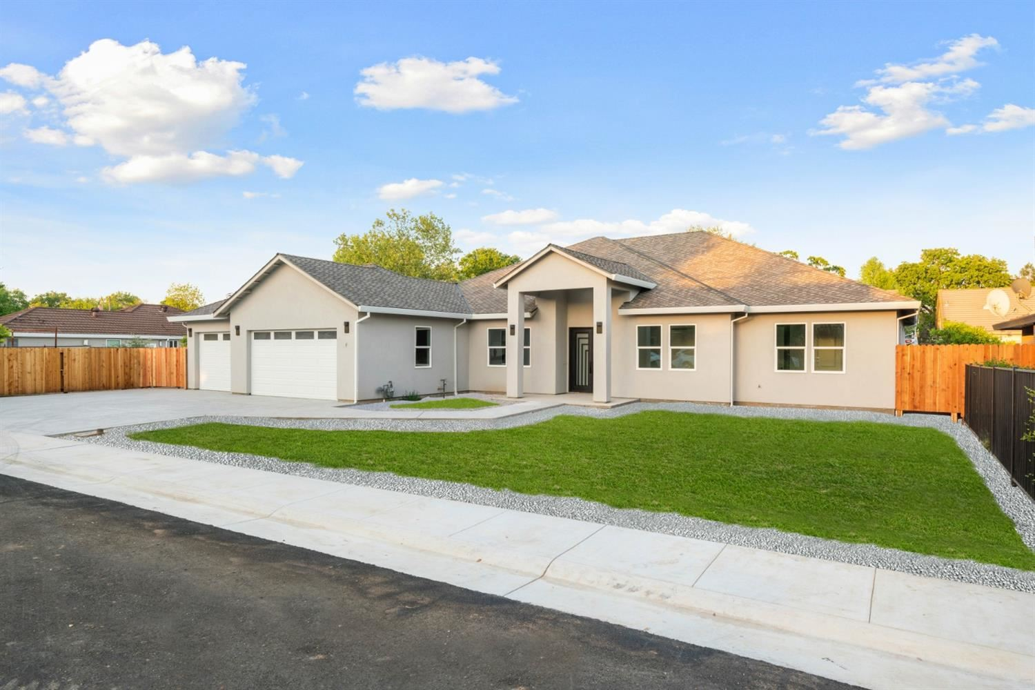 Photo of 1130 Jonas Avenue, Sacramento, CA 95864 (MLS # 221037266)