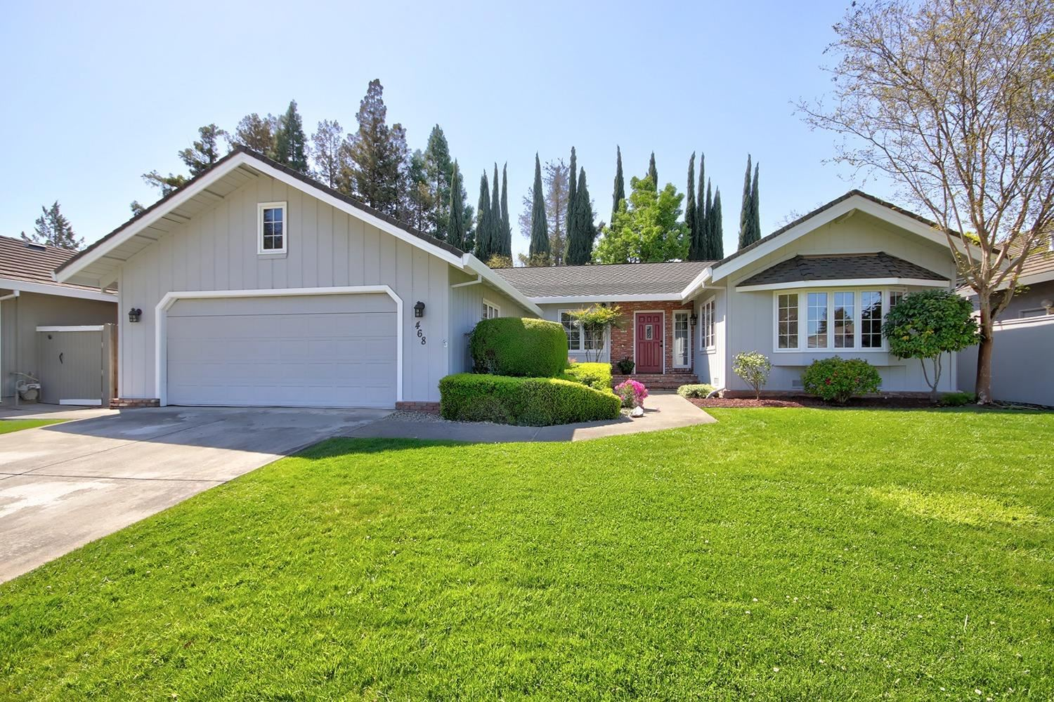 Photo of 468 Pimentel Way, Sacramento, CA 95831 (MLS # 221037268)