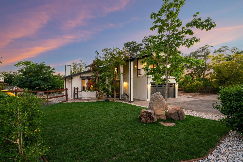 Photo of 7960 Eagle View Lane, Granite Bay, CA 95746 (MLS # 221079273)
