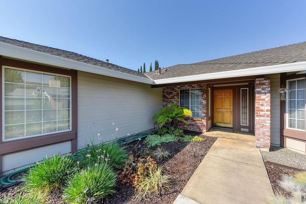 Photo of 8505 Forsythia Way, Antelope, CA 95843 (MLS # 221118273)