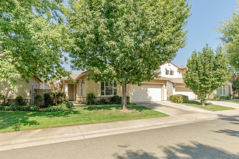Photo of 1150 Meredith Way, Folsom, CA 95630 (MLS # 221115289)
