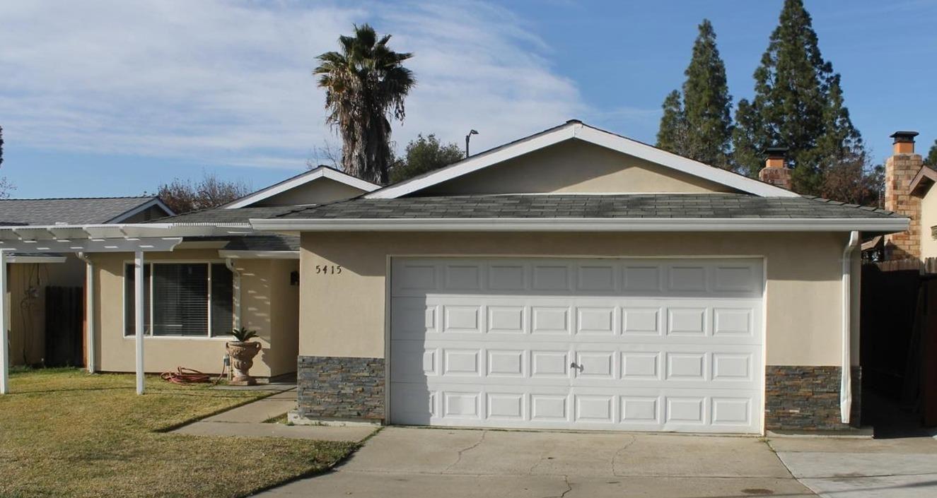 Photo of 5415 Sawtooth Court, Sacramento, CA 95842 (MLS # 221015298)
