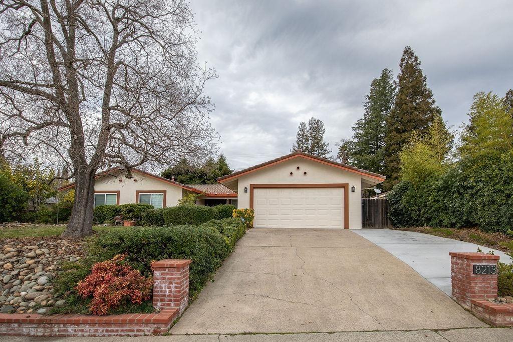 Photo of 8213 Treecrest Avenue, Fair Oaks, CA 95628 (MLS # 221000322)