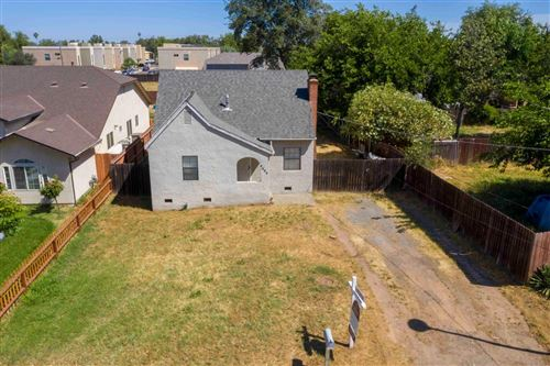 Photo of 2229 Roanoke Avenue, Sacramento, CA 95838 (MLS # 221047327)