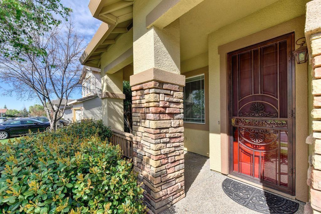 Photo of 6640 Maple Creek Drive, Roseville, CA 95678 (MLS # 221011332)