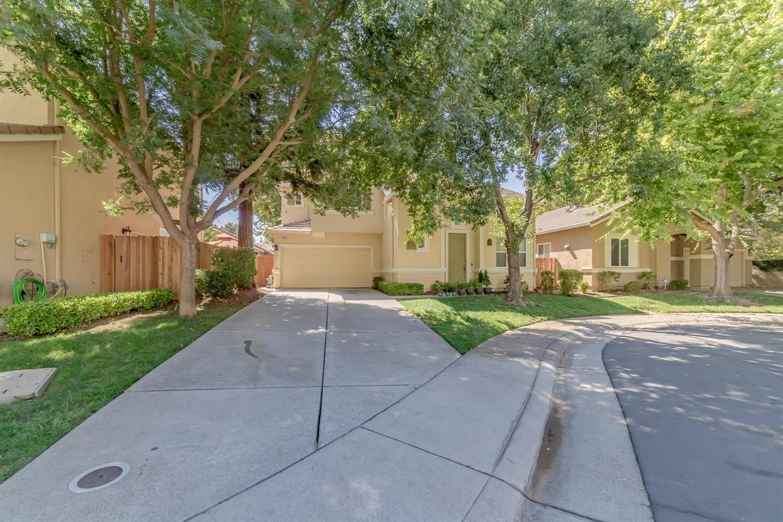 Photo of 2883 Belle Fleur Way, Sacramento, CA 95833 (MLS # 221116332)
