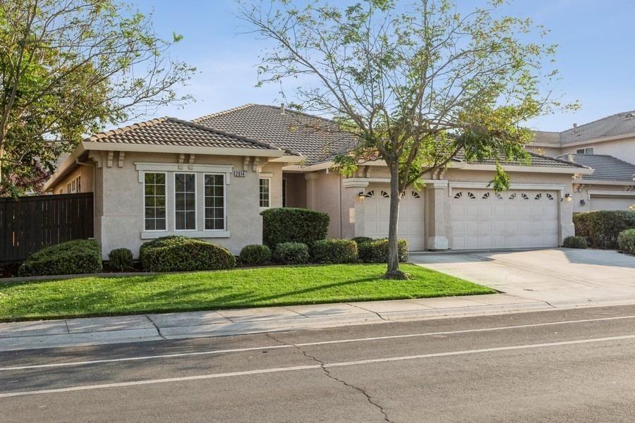 Photo of 2614 Mabry Drive, Sacramento, CA 95835 (MLS # 221112338)