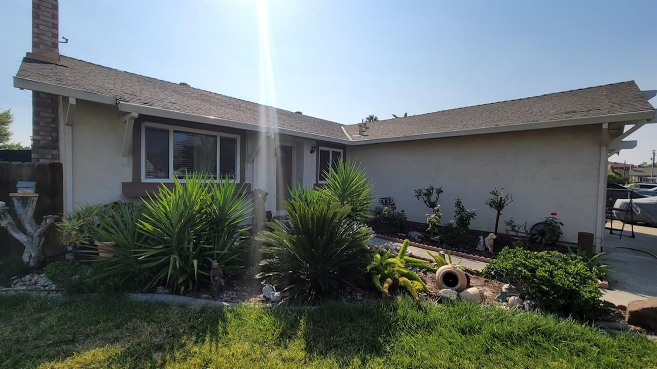 Photo of 3212 Irvindale Way, Antelope, CA 95843 (MLS # 221111343)