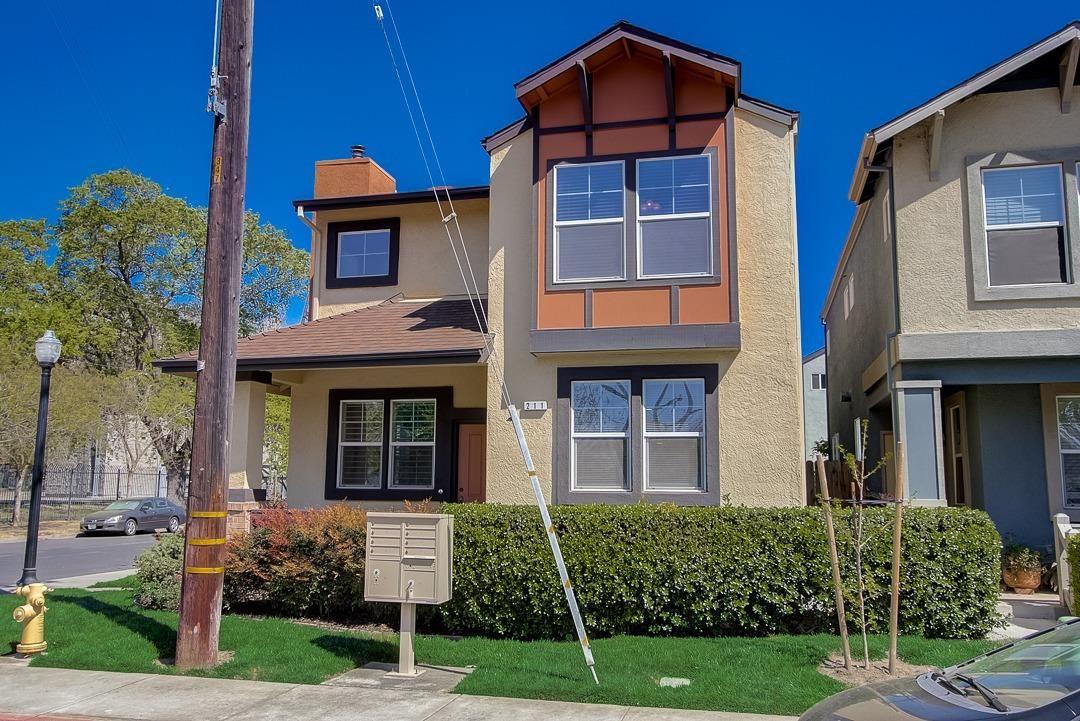 211 4th Street, West Sacramento, CA 95605 - #: 221032344