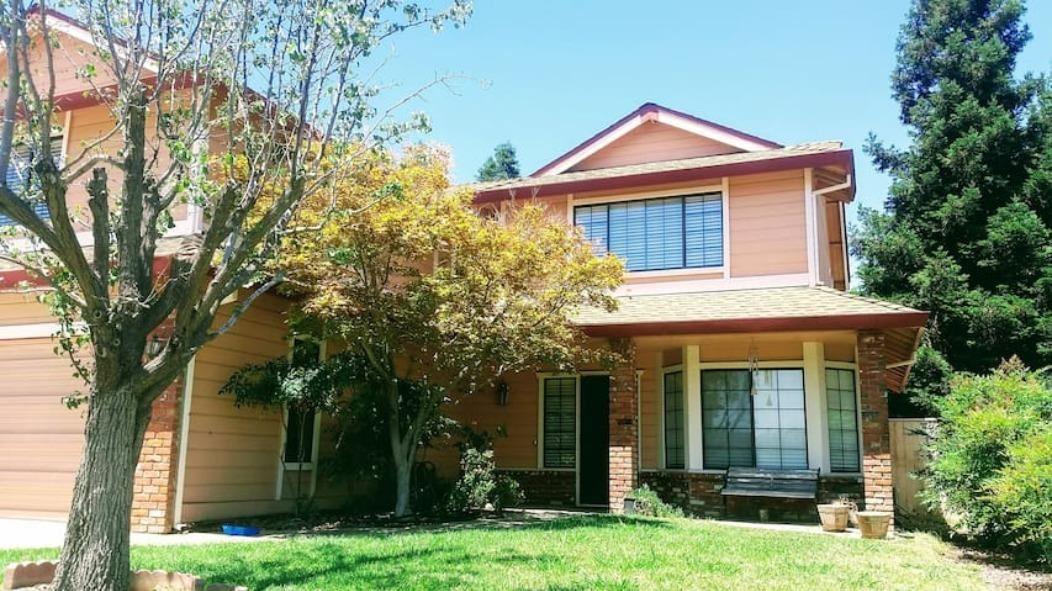Photo of 9638 SOARING OAKS Drive, Elk Grove, CA 95758 (MLS # 20051346)