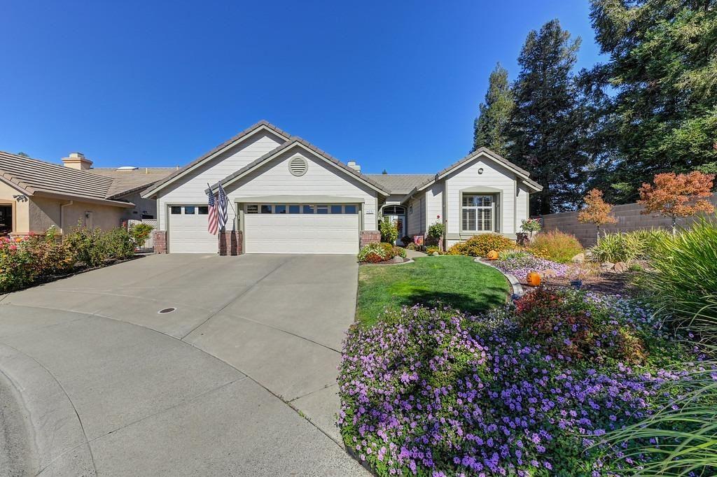 Photo of 425 Angelrock Court, Roseville, CA 95747 (MLS # 221133348)