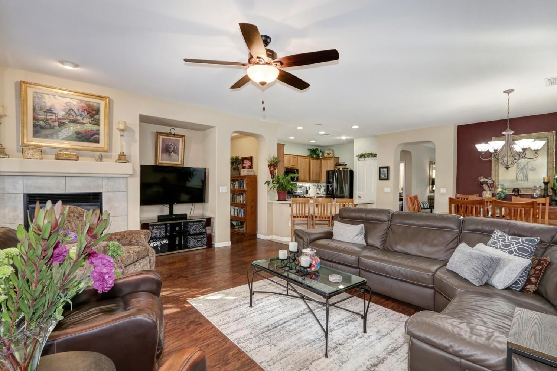 Photo of 23 Grantley Place, Sacramento, CA 95835 (MLS # 221126352)