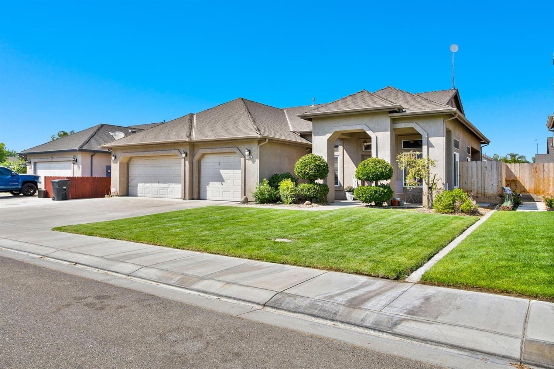 6605 Graybark Lane, Hughson, CA 95326 - MLS#: 221113356