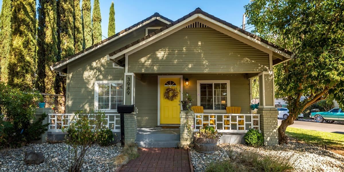 Photo of 3989 2nd Avenue, Sacramento, CA 95817 (MLS # 20061360)