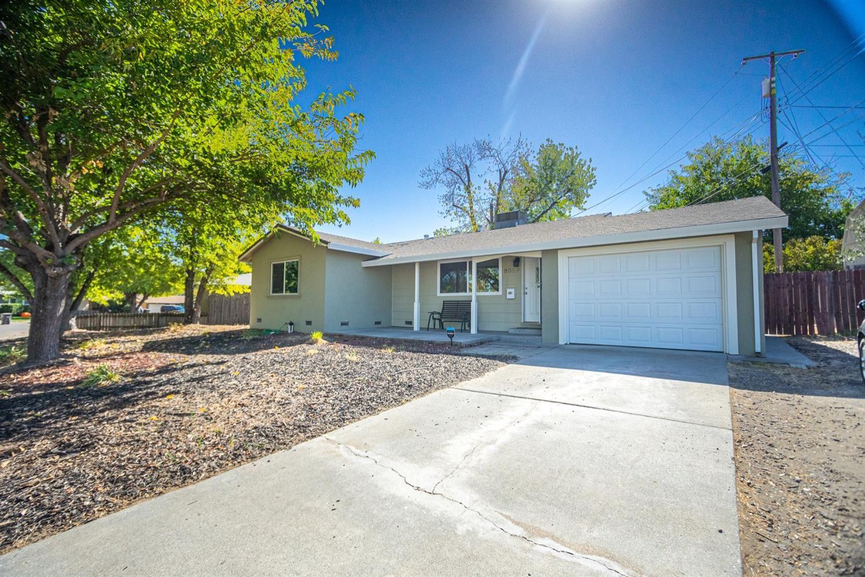 Photo of 8059 Glen Valley Circle, Citrus Heights, CA 95610 (MLS # 20062365)