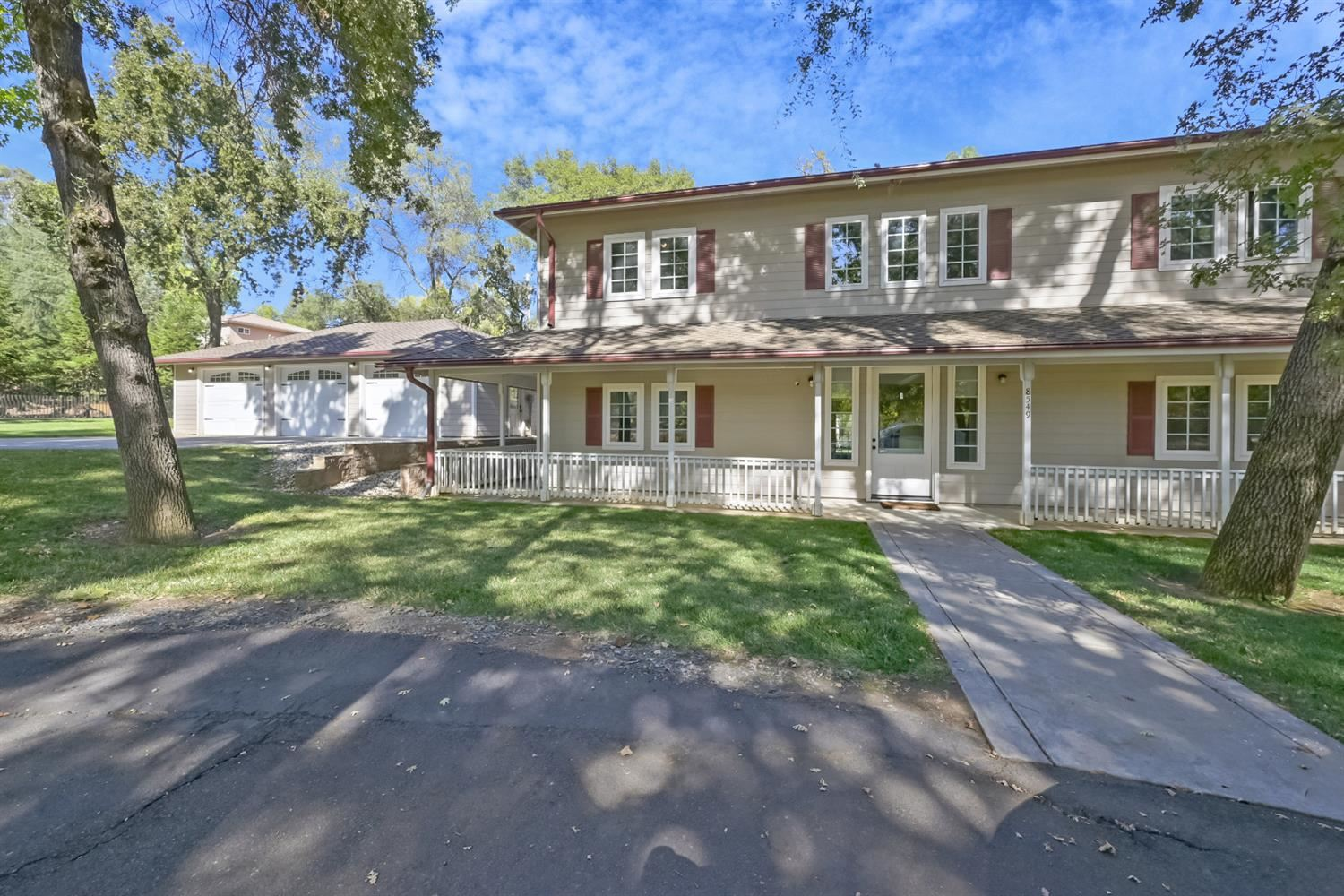 Photo of 8549 Willow Valley Place, Granite Bay, CA 95746 (MLS # 221112366)