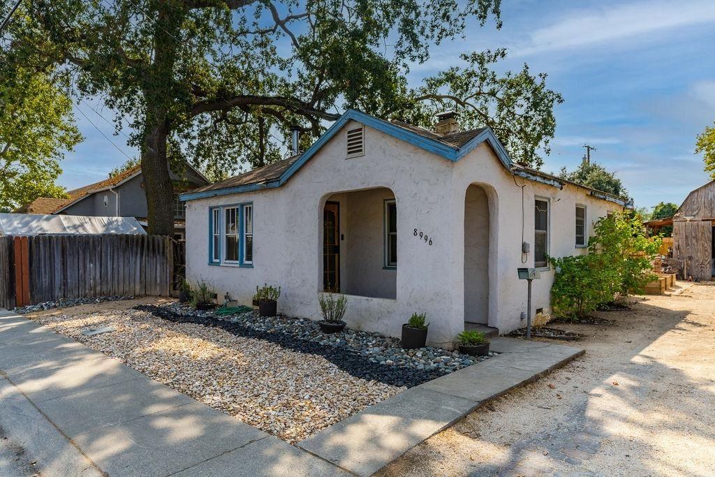 Photo of 8996 Sierra Street, Elk Grove, CA 95624 (MLS # 221118366)