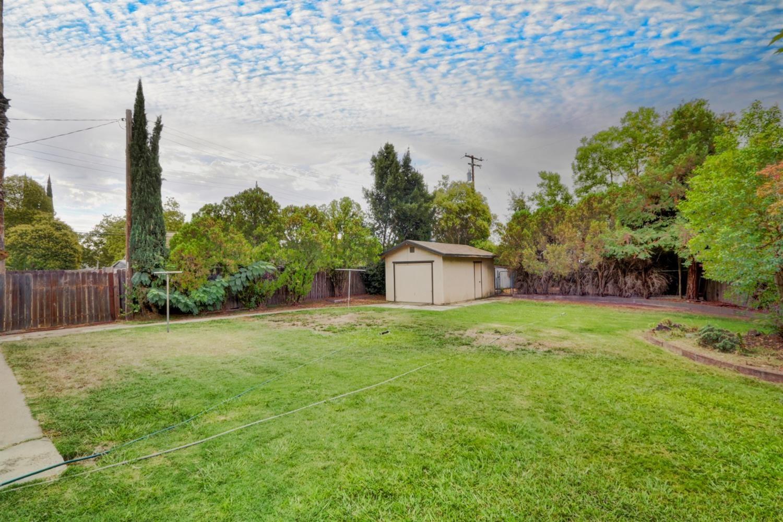 Photo of 7640 Community Drive, Citrus Heights, CA 95610 (MLS # 221113367)