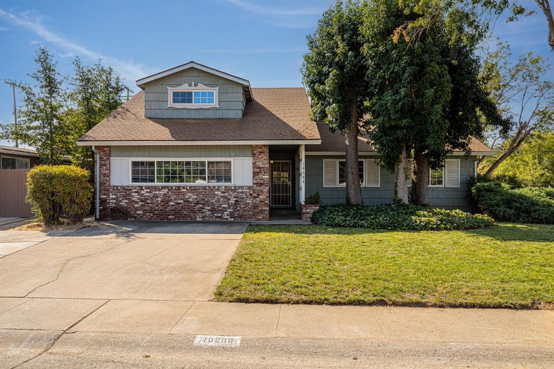 Photo of 10200 Los Palos Drive, Rancho Cordova, CA 95670 (MLS # 221110372)