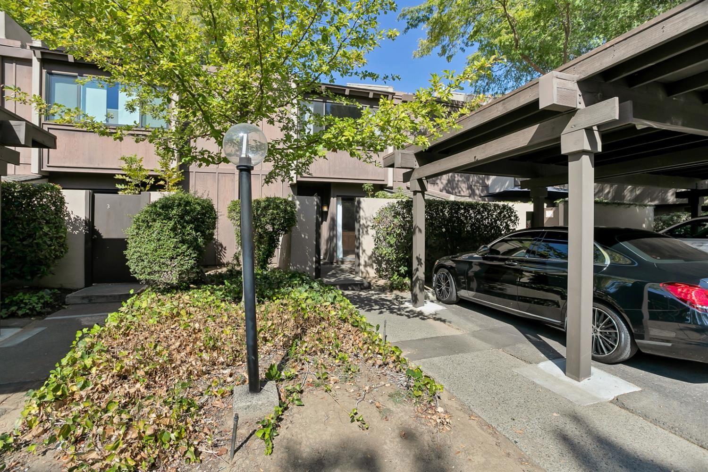 Photo of 895 Woodside Lane #2, Sacramento, CA 95825 (MLS # 221121382)