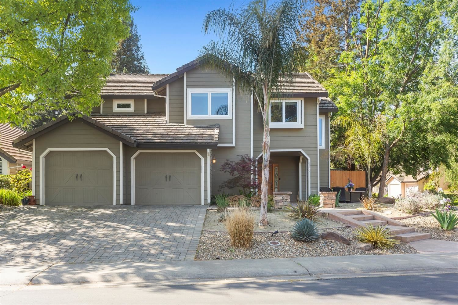 Photo of 5900 Whalers Cove Court, Elk Grove, CA 95758 (MLS # 221037383)