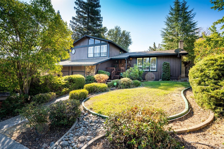 Photo of 8300 Woodborough Way, Fair Oaks, CA 95628 (MLS # 221107388)