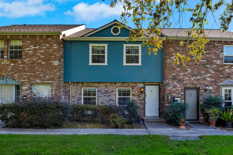 Photo of 4034 Oak Villa Circle, Carmichael, CA 95608 (MLS # 20060395)