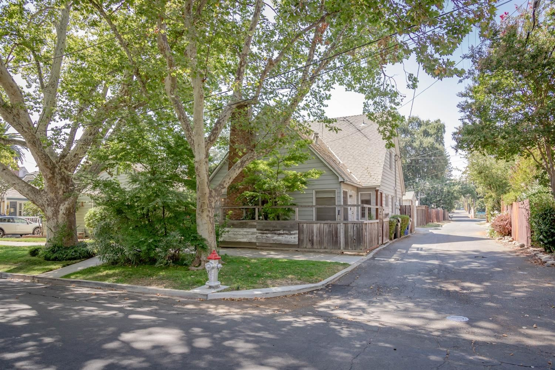 2216 23rd Street, Sacramento, CA 95818 - MLS#: 221114397