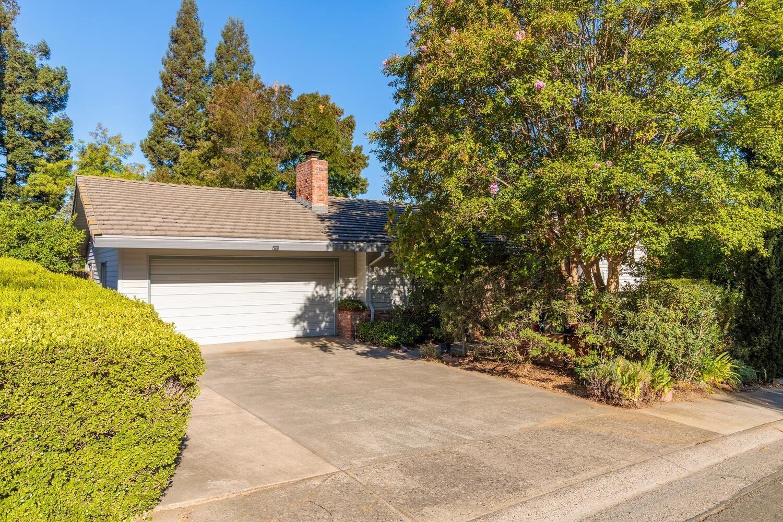 Photo of 5637 Longwood Way, Citrus Heights, CA 95610 (MLS # 221116398)