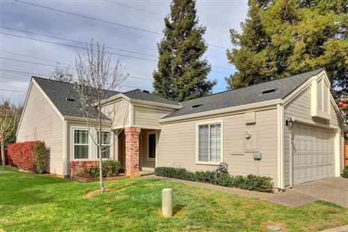 Photo of 105 River Chase Circle, Sacramento, CA 95864 (MLS # 221014401)