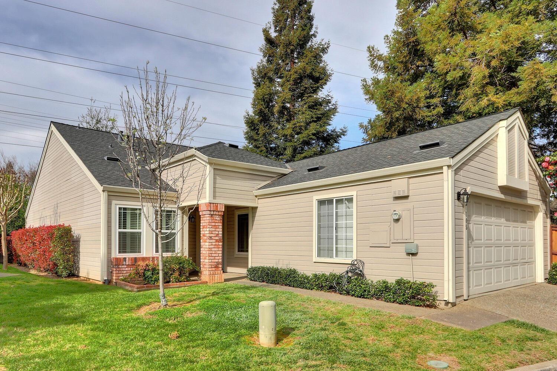 Photo of 105 River Chase Circle, Sacramento, CA 95864 (MLS # 221014401)