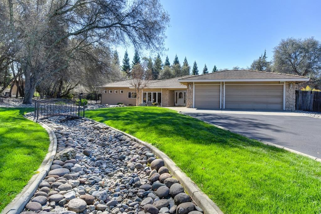 Photo of 9496 Burns Court, Granite Bay, CA 95746 (MLS # 221006418)